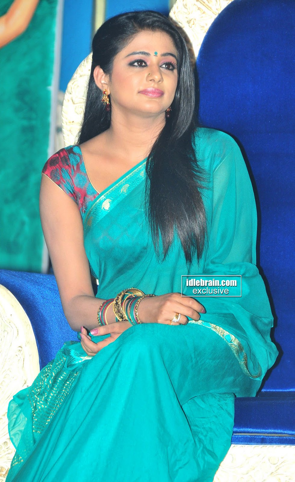 South Actress Hot Priyamani S In Sey Saree