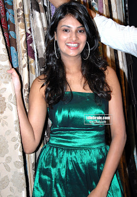 Bollywood Desi Hot MASALA BABE Sayali Bhagat Hot and Sexy Photos