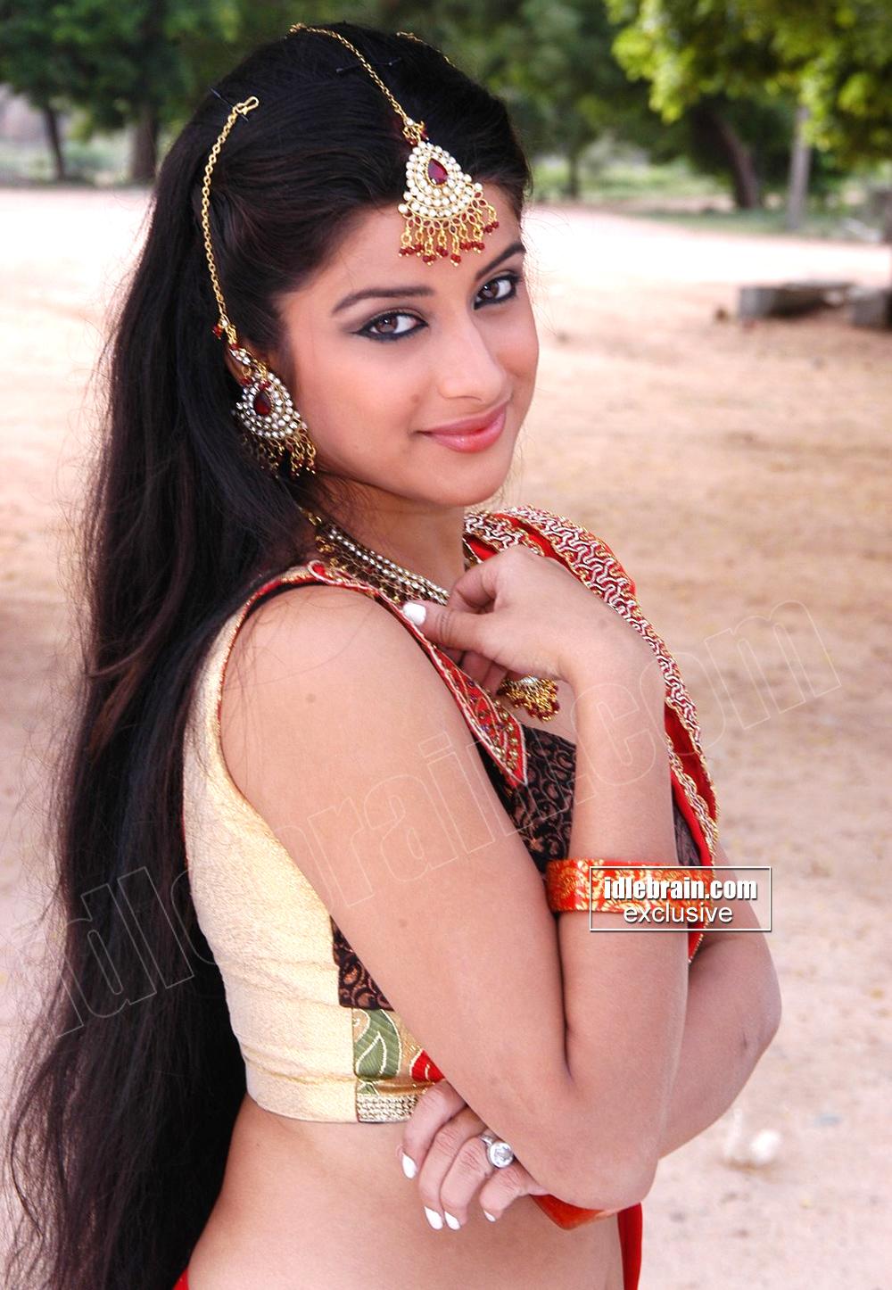Telugu Hot Actress Madhurima Masala Pics