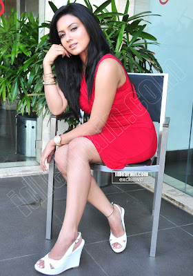 Hot and SPICY South Indian MASALA BABE Sana KHAN Photoshoot Gallery