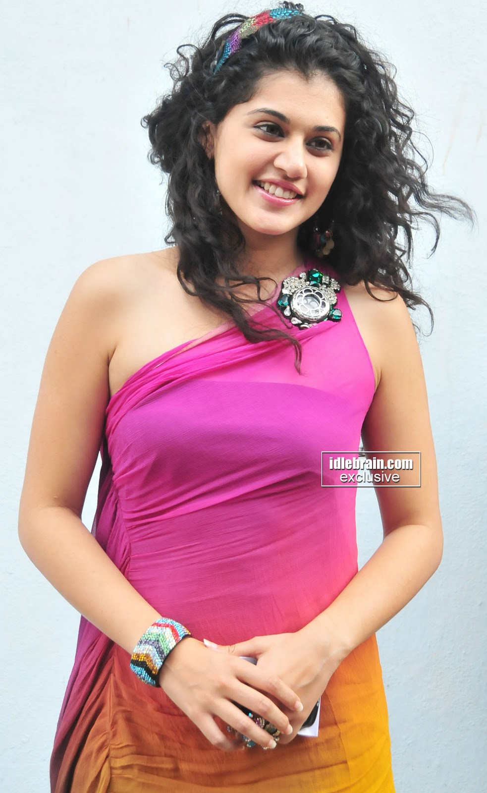 most sexiest women hot indian masala actress tapsee photo