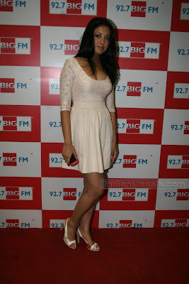 Bollywood Actress Tanushree Dutta Hot Photos in short dress at BIG FM event