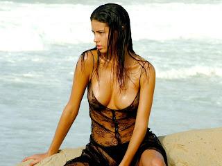adriana lima nude pic