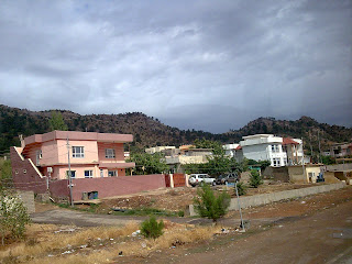 houses on mountain+duhok