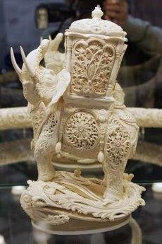 யானைத் தந்தத்தினால் செய்யப்பட்ட சிற்பங்கள். Ivory-Art+%282%29