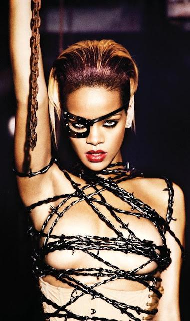 Rihanna_Hot_01