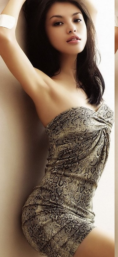 Carmen Soo Wai Mun in Hot Bikini wallpapers