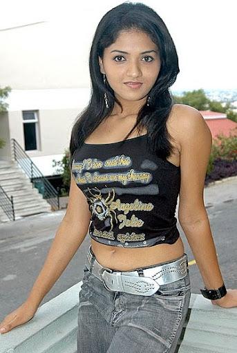 foxy glamorous Sunaina hot in jeans spicy pics