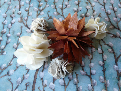 fabric flowers – variations on a theme
