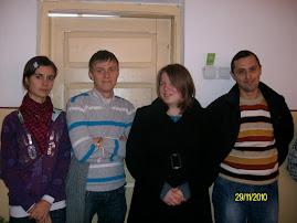 Împreună cu elevii Nicoleta Genilă, Bogdan Munteanu şi Diana Bîzgan ( clasa a XI-a C )