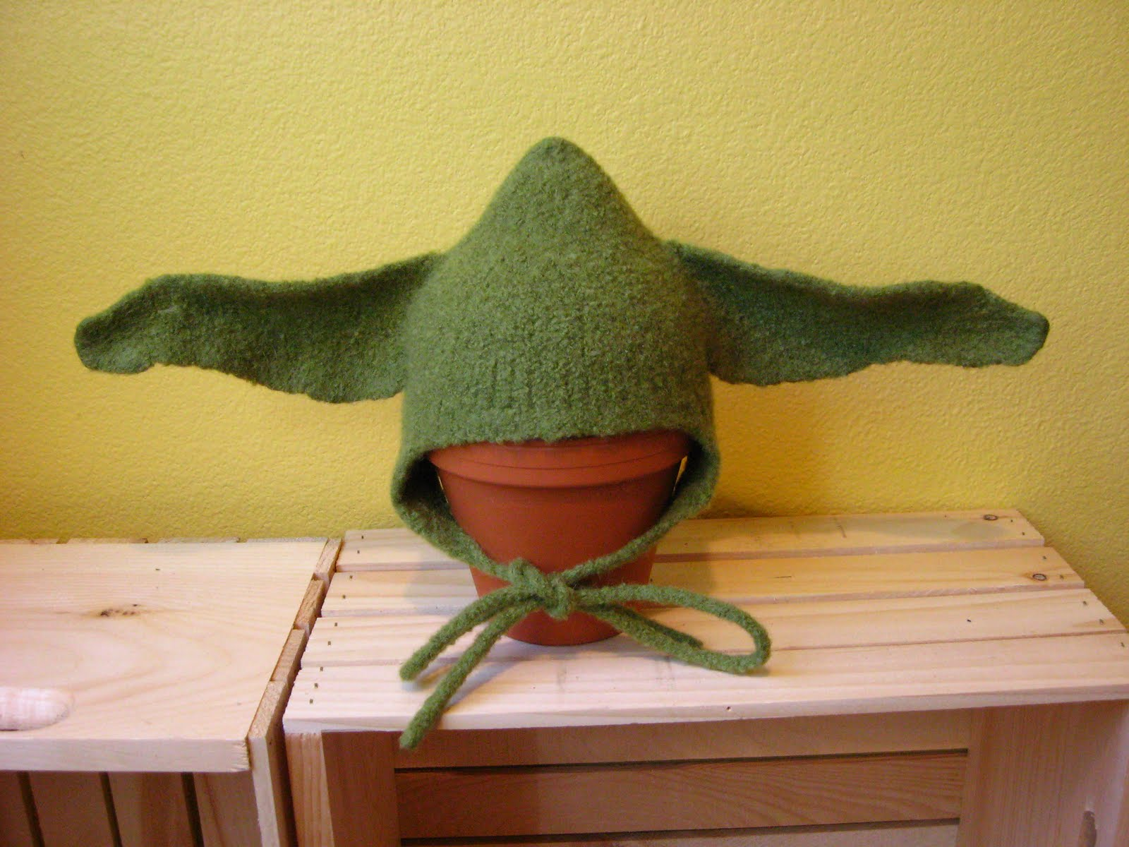 Knitting Pattern For Baby Yoda Hat : four little sparrows: Felted Baby Yoda Hat