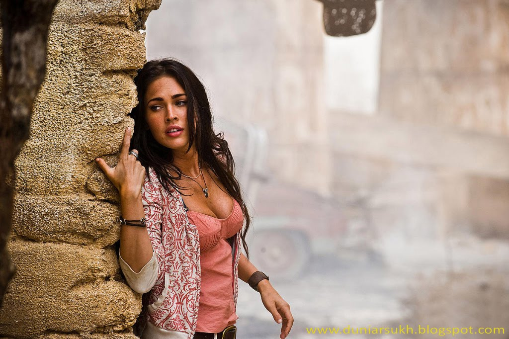 megan fox transformers revenge of the fallen wallpaper. megan fox transformers 3