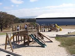 El Area Infantil De juegos de Madera