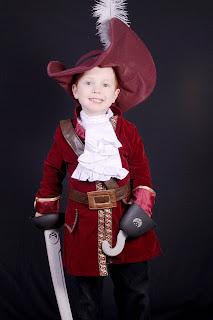 kaptajn klo kostume