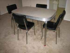 1950s chrome  u0026 formica kitchen table  u0026 chairs dc finds  the best of dc u0027s craig u0027s list  1950s chrome  u0026 formica      rh   dcfinds blogspot com