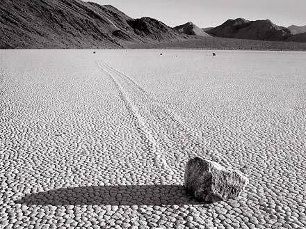 Batu yang bisa berjalan