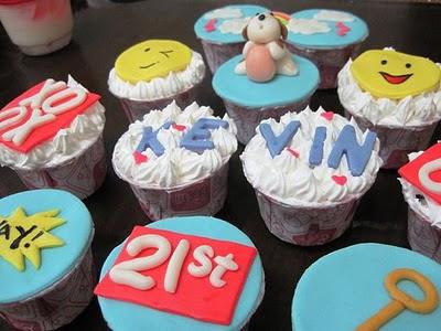 cupcakes cartoon. cartoon cupcakes images. pink