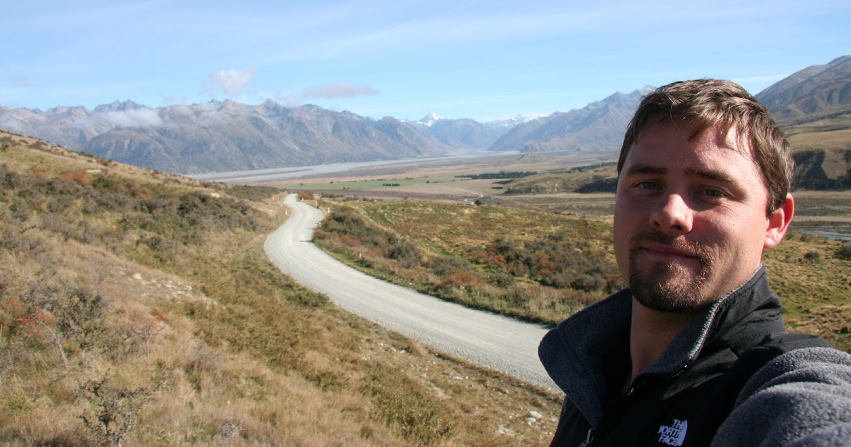 Tie Me Down to this blog.: Edoras: Golden Hall of the King ...