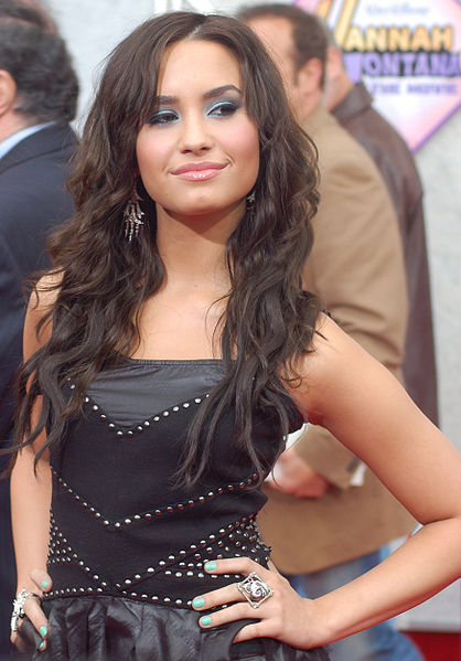 demi lovato hair. demi lovato hair 2011. Celebrity hair kaal haircut; demi lovato hair 2011. Demi; Celebrity hair kaal haircut; demi lovato hair 2011. Demi+lovato+rehab+2011;