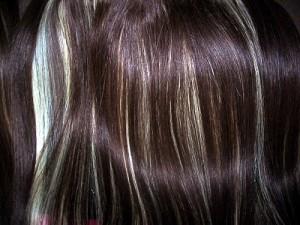 Cuidado del cabello humano como hacer una mechas o rayitos en casa - Como hacer mechas en casa sin gorro ...