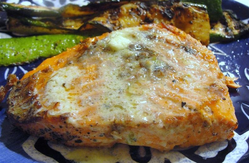 ... thyme to cook...: Grilling: Salmon with Garlic and Lime Butter Sauce