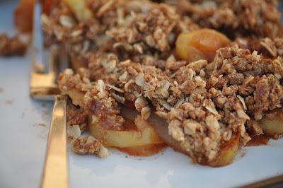 Nourishing Meals: Coconut Sugar Apple Crisp
