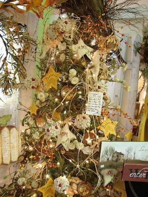 Cobblestone Farms: It's A Fall / Christmas Tree..