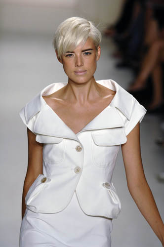 Short Cute Hairstyles Agyness Deyn