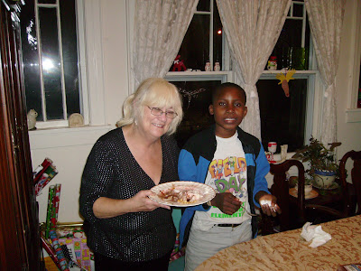 Rebecca Mandel and the Burundi children Christmas