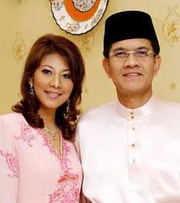 Perginya Datin Shazarina... Takziah buat Datuk Zainal