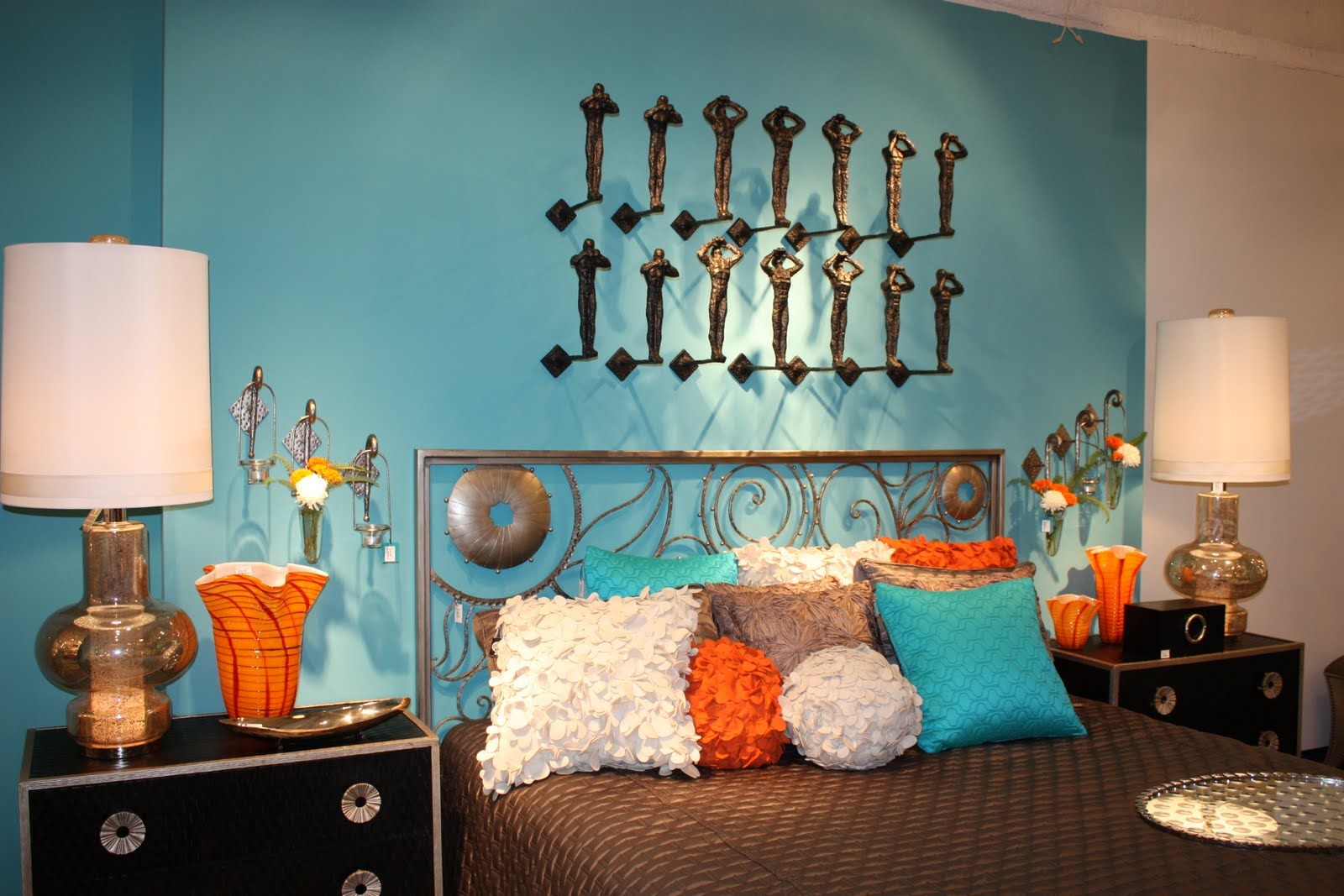Classic with a twist dallas summer market 5 days of for Aqua bedroom ideas