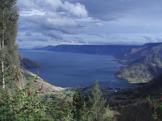 sumatra tours, travel, destinations, lake toba, tourist attractions