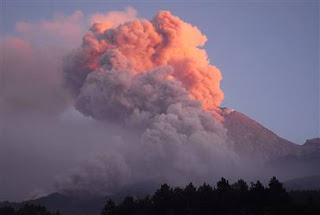 Mount Merapi spews gases during eruption