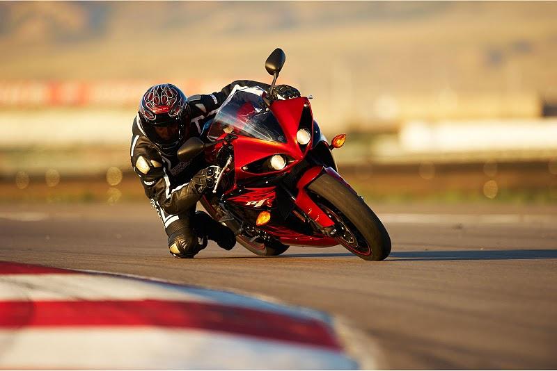 Foto Gambar Motor Sport Yamaha YZF-R1
