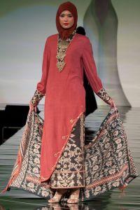 Busana Baju Muslim Wanita Terbaru 2011