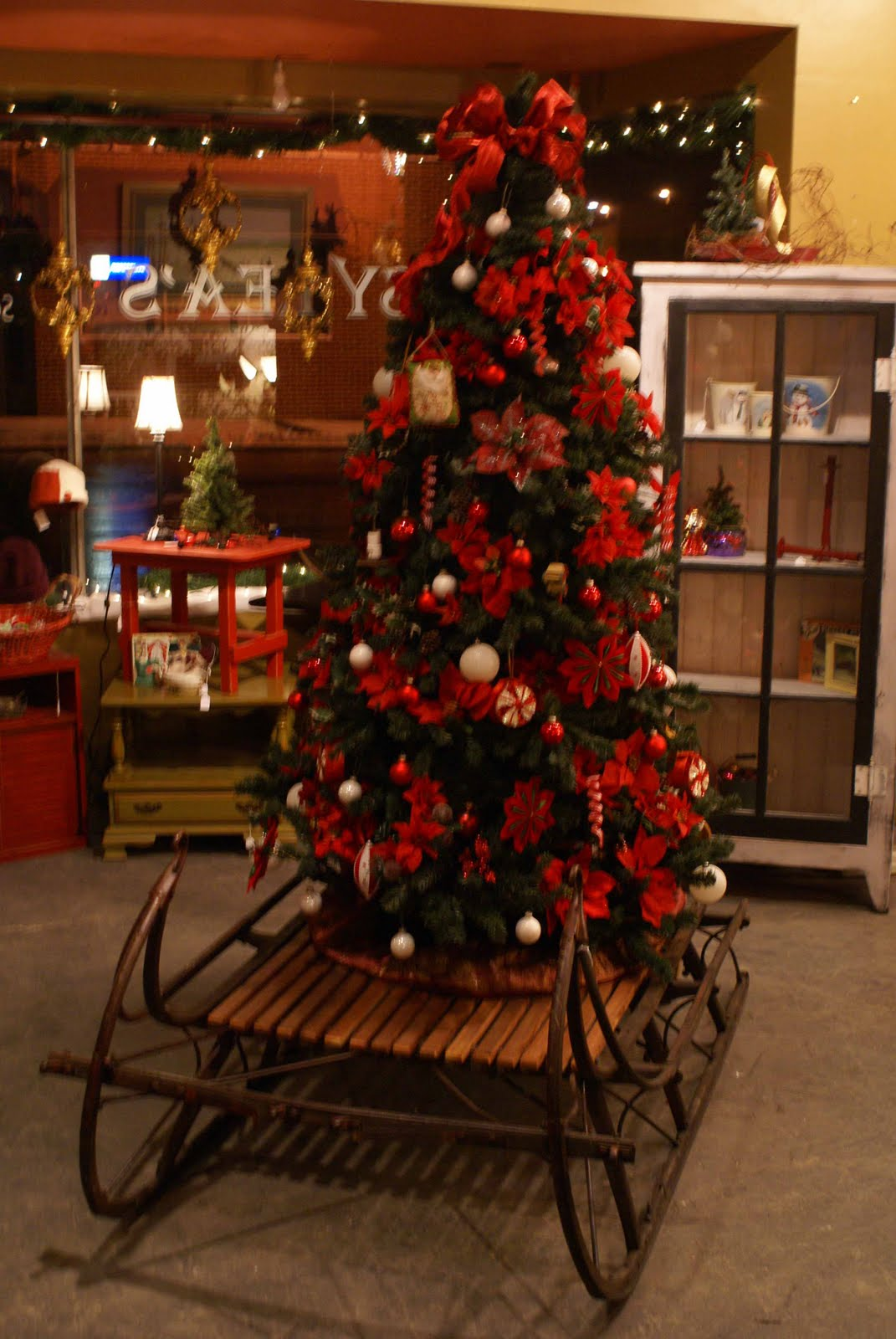 Hogs And Roses Its Already Christmas At Gypsy Lea S