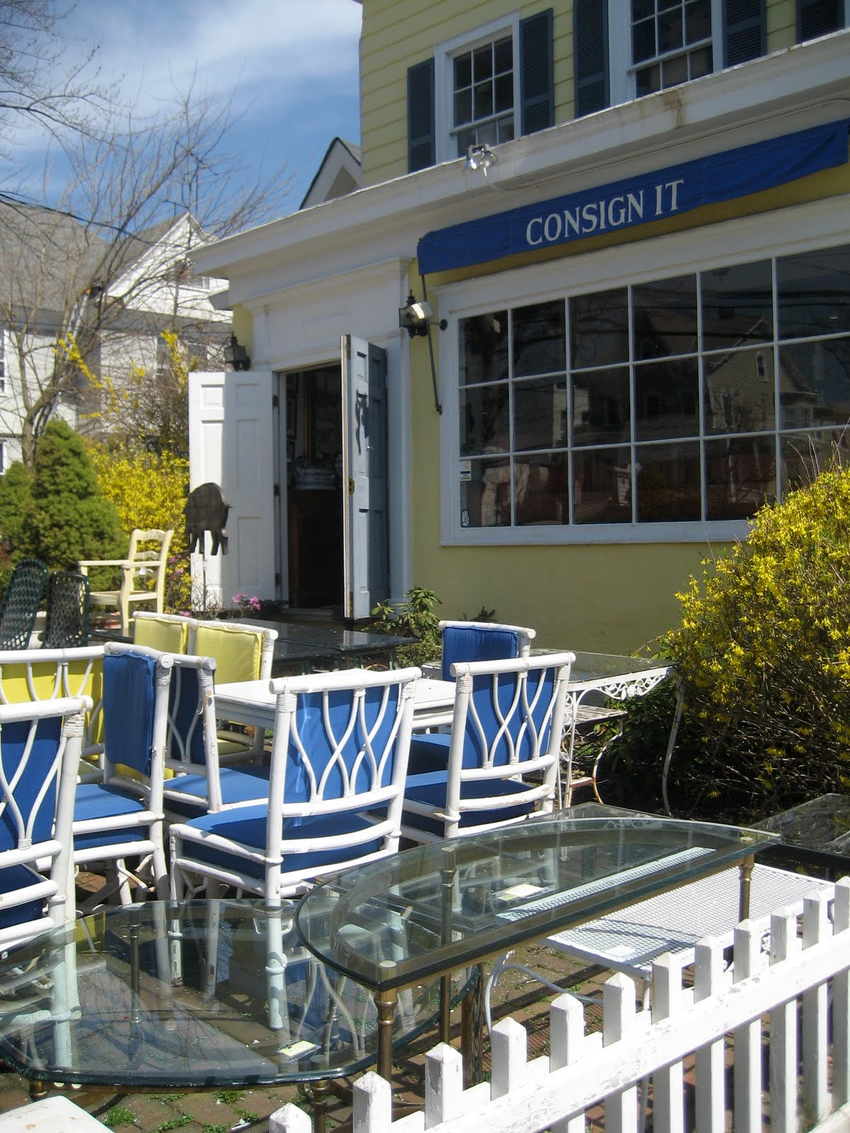 Living It At Home: Consign It