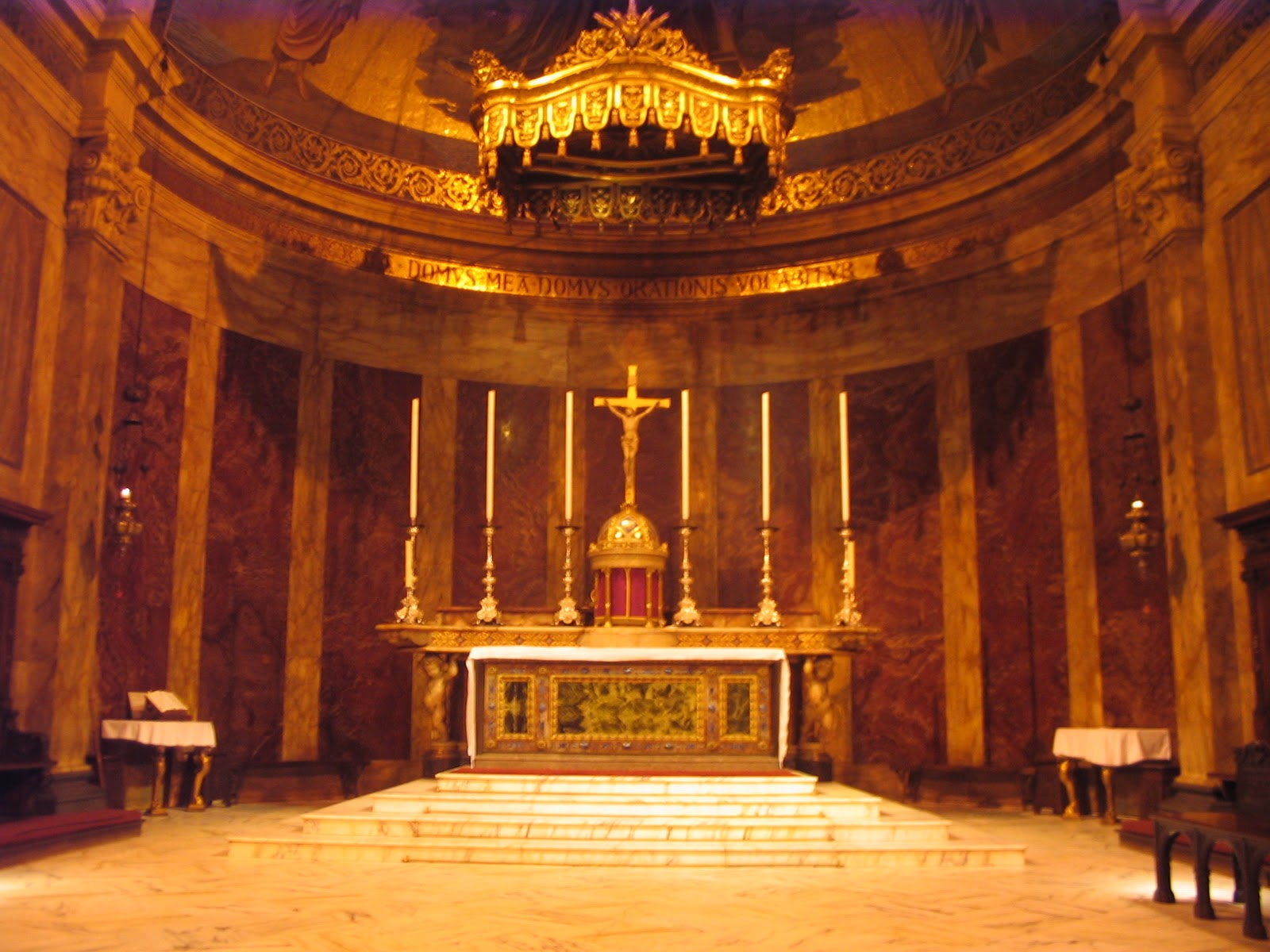 Meaning Of The Tabernacle Lamp In Catholic Churches