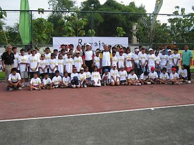RemajaTenis di Mataram NTB