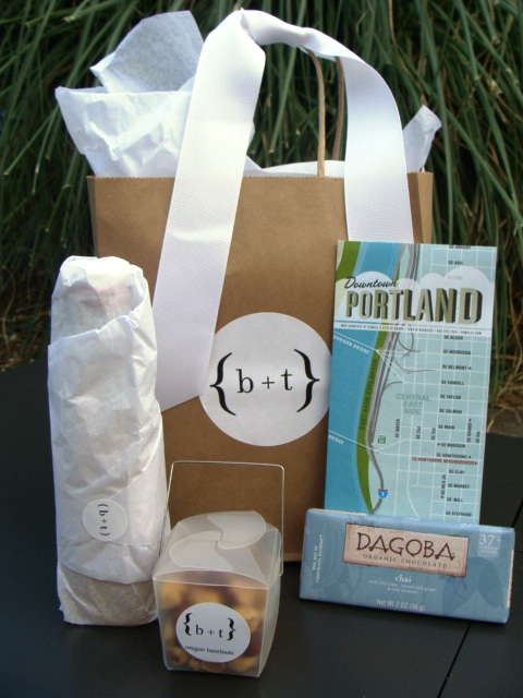 Wedding Gift Basket Ideas For Out Of Town Guests : Exquisite Events Seattle: Out of Town Bags