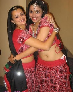 Mona the Traffic Girl http://showbizupdates7.blogspot.com/2010/01/new-desi-girls-pictures.html