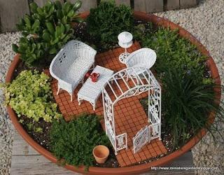 20 outstanding miniature gardens