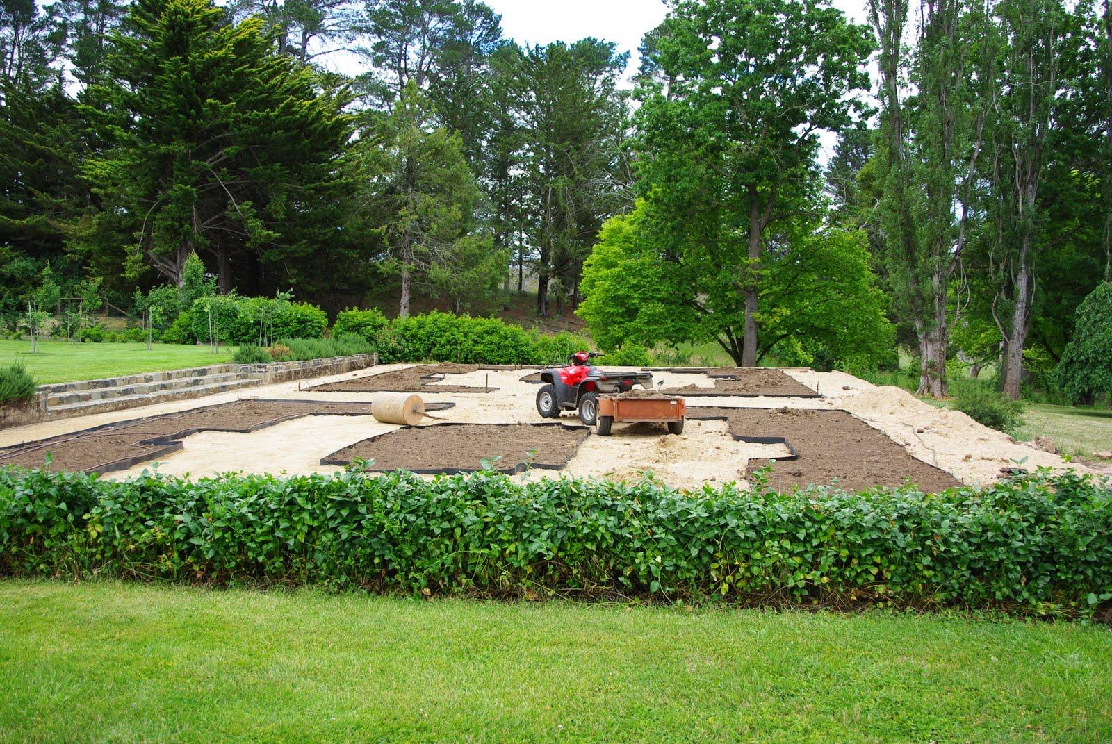 A BEAUTIFUL SPACE Parterre Garden