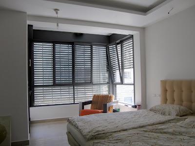 סגירת מרפסת להרחבת חדר שינה