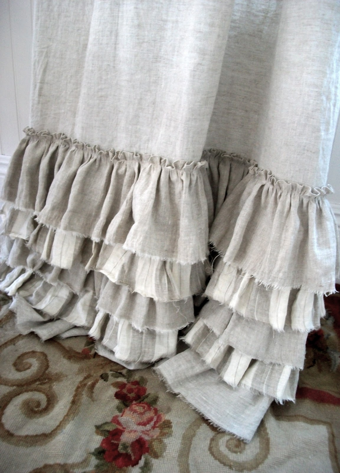 Full Bloom Cottage Layers Of Linen Ruffles Amp French Beds