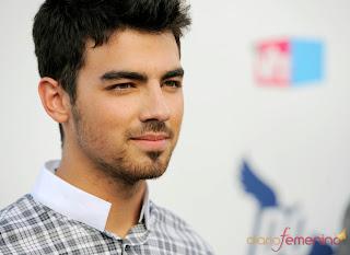 Joe Jonas , Sexy De Por Vida O,O 5563_joe-jonas-en-los-premios-do-somethig