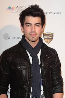 Joe Jonas , Sexy De Por Vida O,O Joe_jonas2010