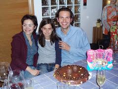 L'Anna,amb els seus padrins,el Toni i la Sandra