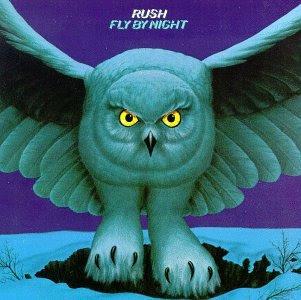 """A imagem  """"http://2.bp.blogspot.com/_b3bCjnVnXo4/SShs8wuAfYI/AAAAAAAAC8U/_2p0XlPoaN4/s400/Fly+By+Night.jpg""""  contém erros e não pode ser exibida."""