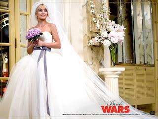 Kate Hudson's wedding dress worn in Bridal Wars designer by Vera Wang